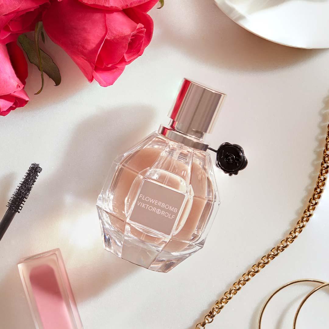 free-flowerbomb-viktor-rolf-fragrance-sample