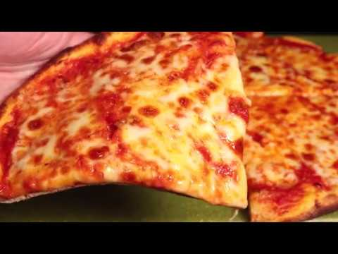 Making New York Style Pizza at Home - Yummyhood.com