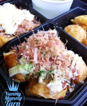 ถึงจะมีชื่อเหมือนกันคือ Tokoyaki แต่วิธีการปรุง และ ส่วนผสมของไส้ ของแต่ละร้านไม่เหมือนกันนะคะ
