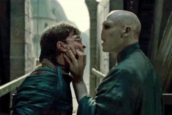 「哈利波特和佛地魔是親戚?」JK羅琳沒說的, 6 個巫師們複雜的親戚關係… – 我們用電影寫日記