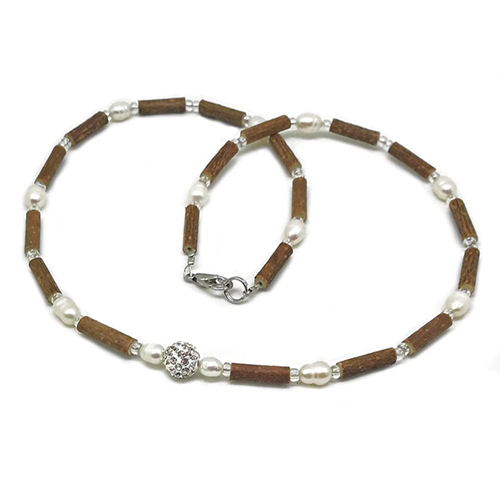 YumNaturals Emporium - Bringing the Wisdom of Mother Nature to Life - Hazelwood Freshwater Pearl Necklace Shamballa Bead 1