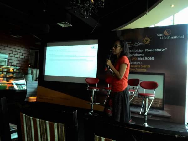 Mbak Joice semangat menjelaskan tentang Perencanaan Keuangan