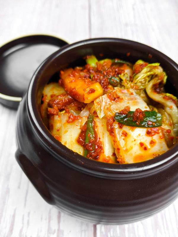 Kimchi, chou mariné épicé coréen en close up