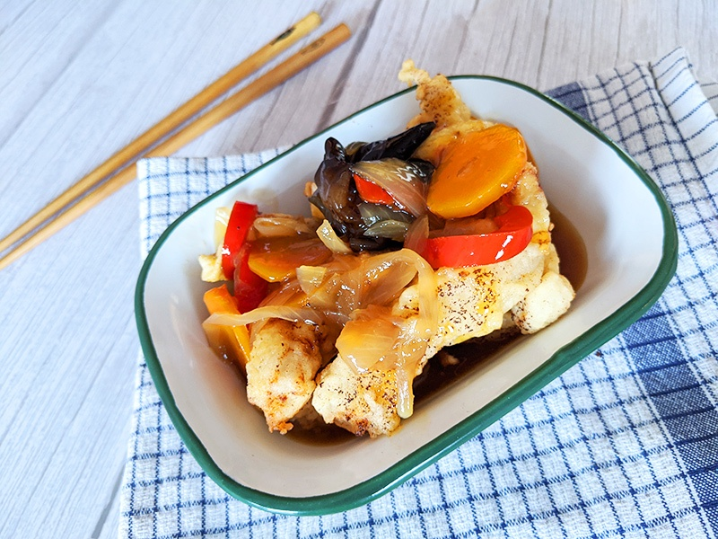 Plat de Tangsuyuk, porc frit à la sauce aigre douce