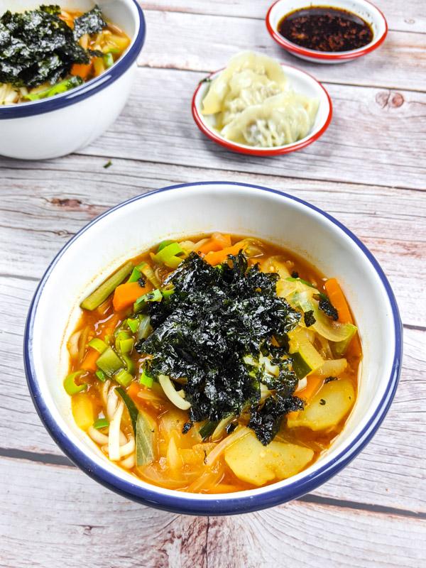 kalguksu, nouilles epicees vegetariennes coreennes