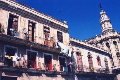 Yuri Martins Fontes / Cuba-2002 / Havana: Habana Vieja com Capitólio ao fundo