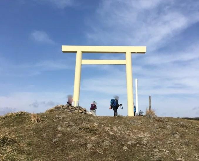 入道ヶ岳の山頂