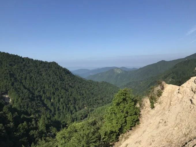 御在所岳峠道から滋賀県側の眺望