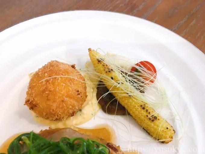 洋食SAKURA(さくら)の特製ハンバーグ&カニコロランチ