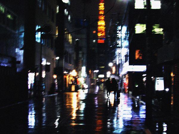 雨の東京タワー