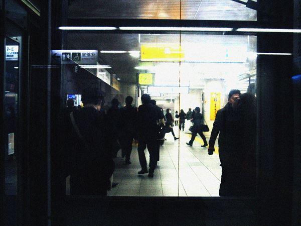 駅の人混み