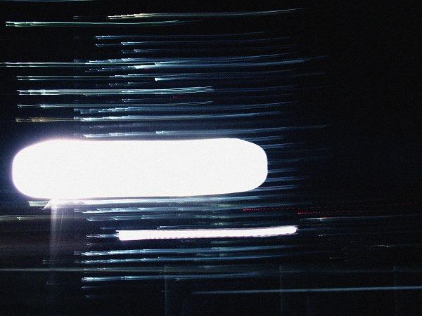 工事の灯りの閃光