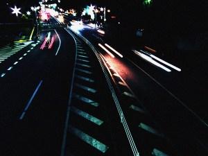 走る車の閃光2
