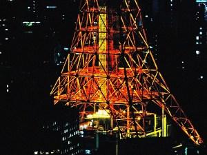 六本木ヒルズからの東京タワーの脚