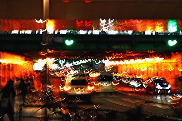 中野駅のガード下