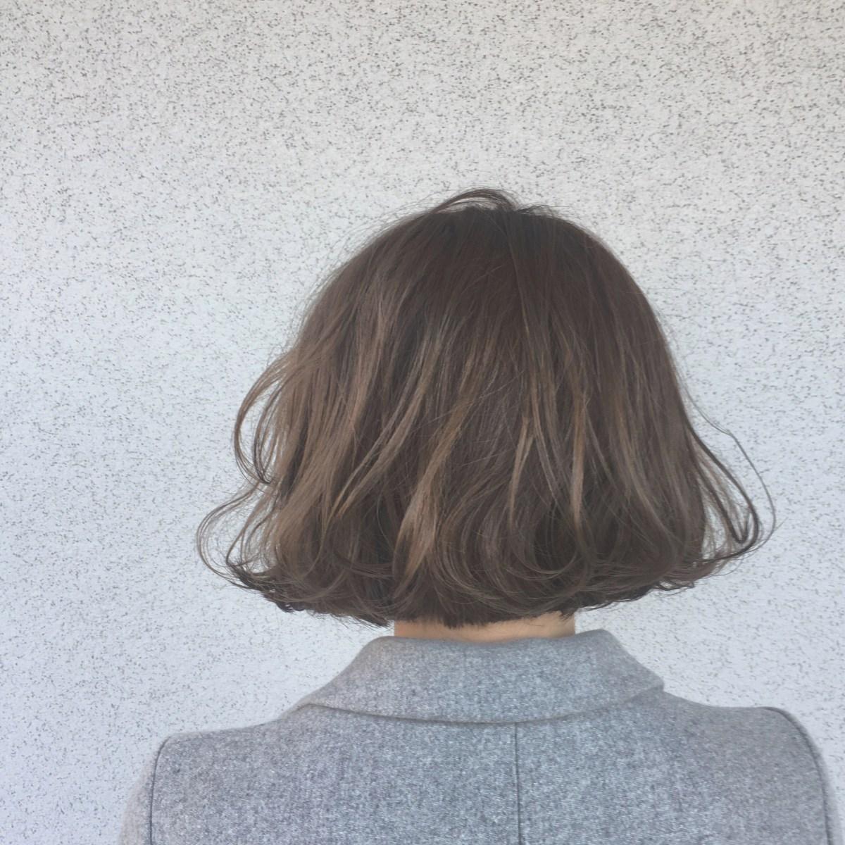 髪が黄色くなる?知って得する対処法と色もち良くするカラーについて