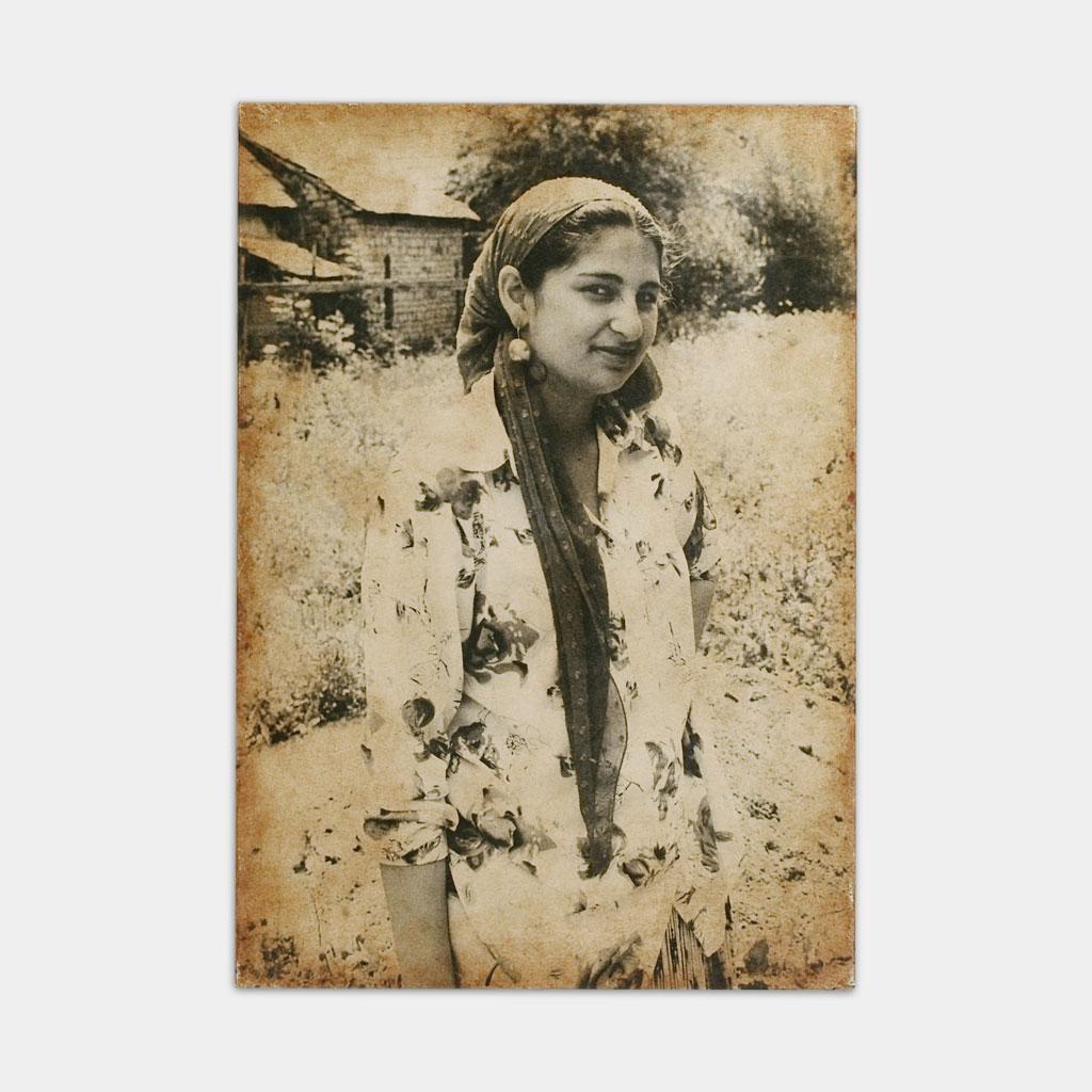ジプシーの既婚女性の写真(正面)