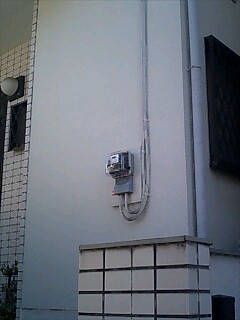 既存増築前窓のない壁にエコ窓をつけます