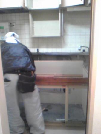 キッチン解体中