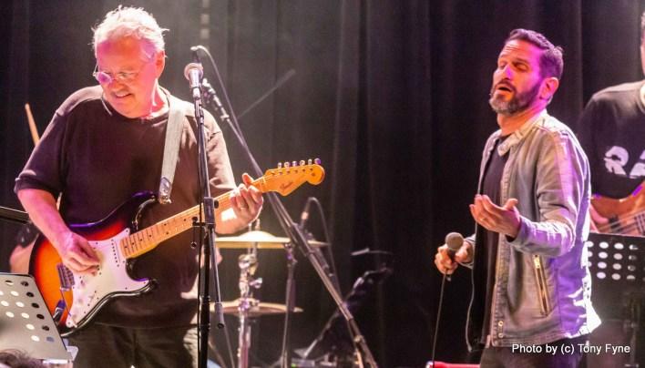 אלון אולארצ'יק ואלפי גורי. צילום טוני פיין