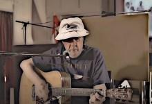 Photo of בוב אחיו של ניל יאנג, משיק קריירה מוזיקלית בגיל 78