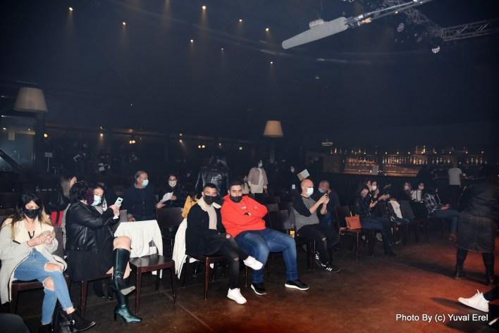 הקהל ממתין לאביב גפן. צילום יובל אראל