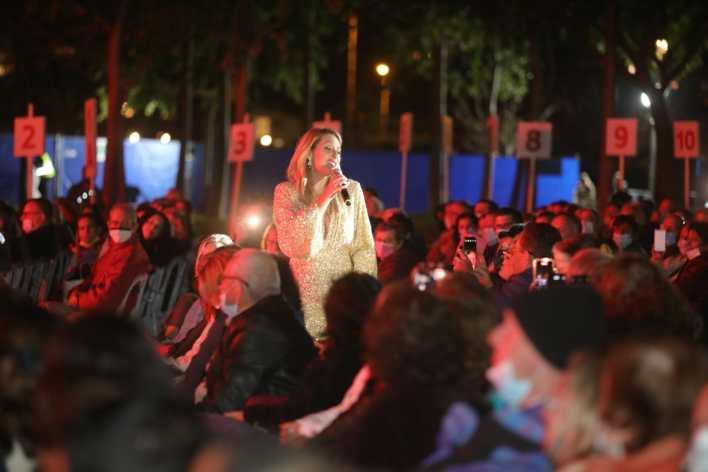 דניאלה לוגסי בפארק הרצליה. צילום באדיבות דוברות עיריית הרצליה