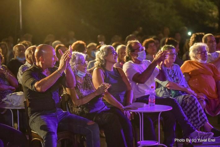 קהל במופע מלכת הכרם. צילום יובל אראל