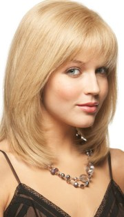 layered hairstyles short medium