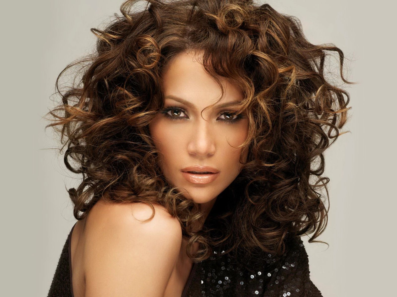 30 Of The Best Hairstyles For Naturally Curly Hair That Look