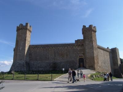Die Burg von Montalcino