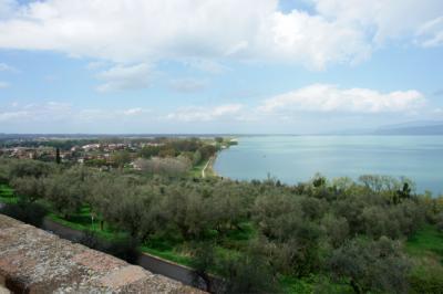 Die Aussicht von der Burg auf den Lago Trasimeno ist super!