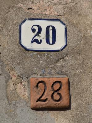 Zwei Nummern am gleichen Haus, ist ja seltsam