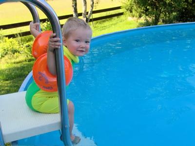 Komm mit ins Wasser, Mama!