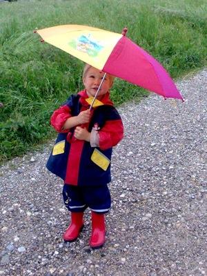 Mit meinem neuen Schirmchen unterwegs