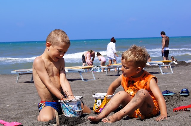 Yves e Valerio alla spiaggia