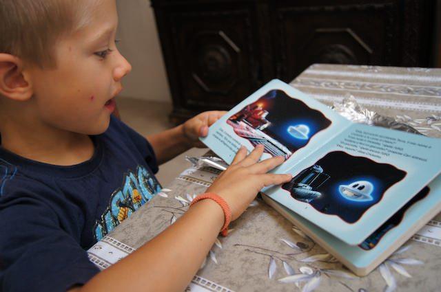 Yves piace il libro dell'UFO Fricketto