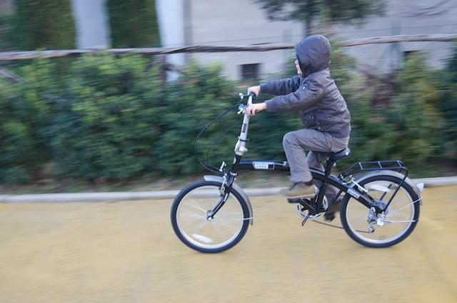 Yves è in giro con la sua nuova bici