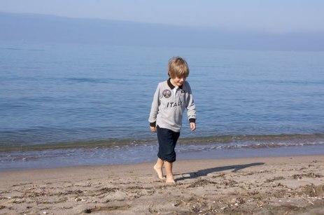 Yves si diverte al mare