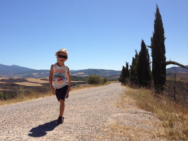 Yves piace passeggiare in Val d'Orcia