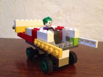 Yves ha costruito una macchina per Joker