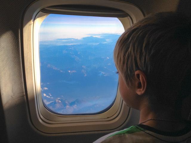 Yves ammira le Alpi Svizzere