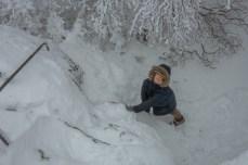 Yves fa le burle nella neve