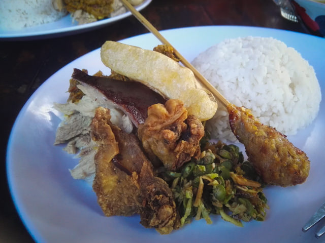 Un'ottimo pranzo di Babi Guling (come la porchetta)