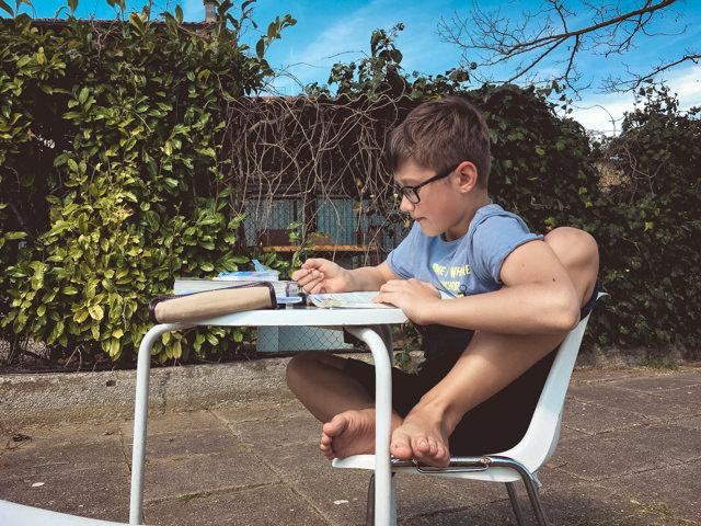 Yves fa i suoi compiti al Pattinodromo