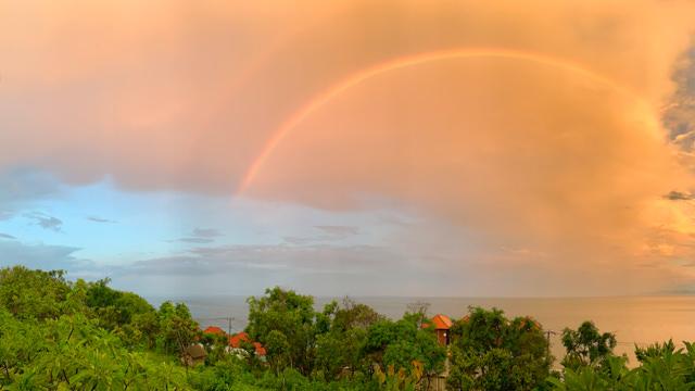 Wow! The rainbow is amazing!