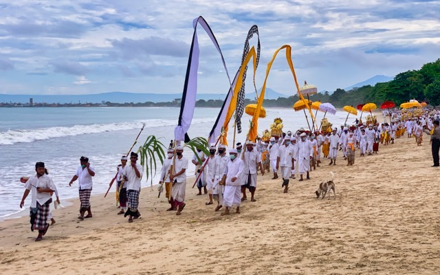 Many people participate in the procession