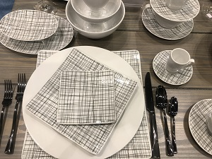 Tabletop Trend: Back to Black