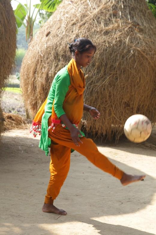 Kalsindur Sajeda mit Ball