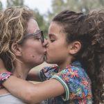 Sexualidad Infantil (2): Respeto por su cuerpo: Dar besos y abrazos.